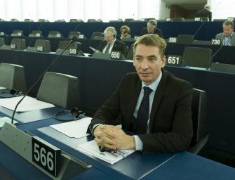 Párbeszéd – Jávor Benedek: az EU-nak is lépnie kell a civilek védelméért